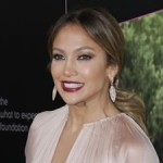 Jennifer Lopez enregistre un duo avec Chris Brown