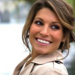 Laury Thilleman au salon du livre le 23 mars