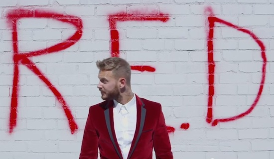 "Matt Pokora annonce son nouvel album ""R.E.D"" (VIDEO)"