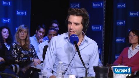 """Mika invité de Nikos dans """"Sortez du cadre"""" !"""