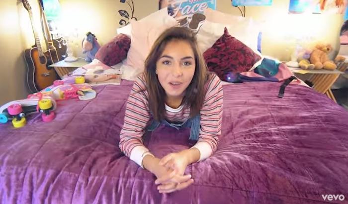 The Voice Kids : Carla, gagnante de la saison 1, sort son single (VIDEO)