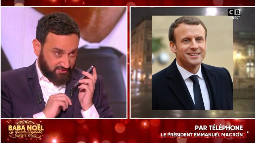 """Emmanuel Macron dans """"Baba Noël"""""""