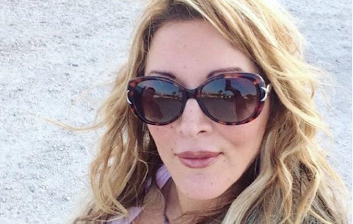 Loana frappée par son ex, elle appelle la police