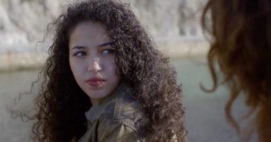 Plus belle la vie en avance : Vincent espionne Mila (VIDEO)
