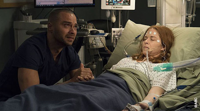 Ce soir à la télé : Grey's Anatomy le final de la saison 14, April entre la vie et la mort (VIDEO)