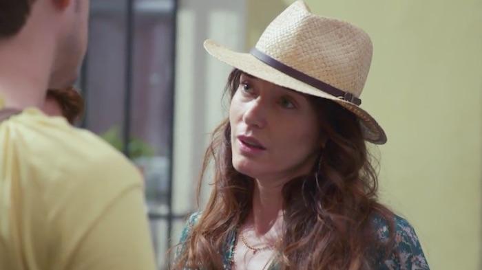 EXCLU Plus belle la vie en avance : Delphine abandonne sa famille, Emma trouve un emploi