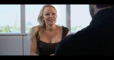 Danse avec les Stars 9 : l'entretien de Pamela Anderson avec Camille Combal (VIDEO)
