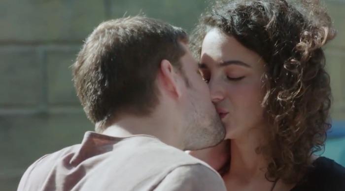 Plus belle la vie en avance : César et Emma s'embrassent (VIDEO PBLV épisode 3650)