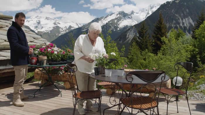 """""""Meurtres à Brides-les-Bains"""" avec Line Renaud"""