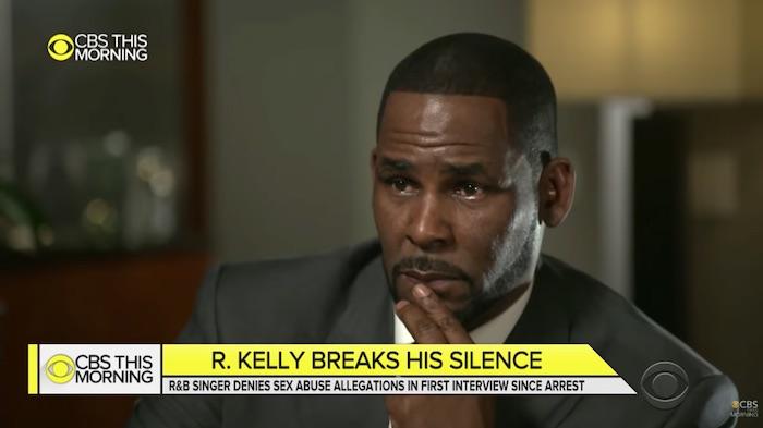 """R. Kelly en larmes : """"j'ai été assassiné par les médias"""" (VIDEO)"""