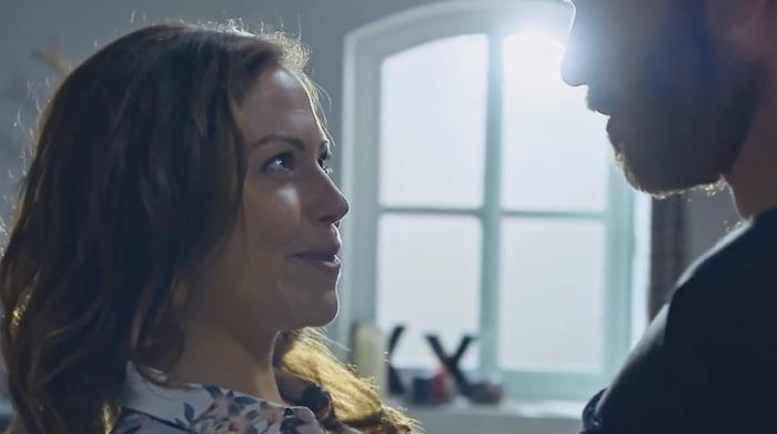 Plus belle la vie en avance : Johanna embrasse Max (vidéo PBLV épisode n°3888)