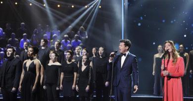Ce soir Vincent Niclo présente « 300 Chœurs chantent les plus grands airs classiques » sur France 3 (vidéo)