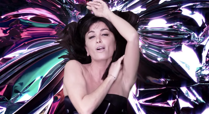 "Jenifer dévoile le clip de ""On oublie le reste"" (VIDEO)"