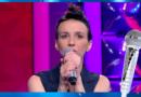 « N'oubliez pas les paroles » vidéo : Estelle est éliminée et repart avec 123.000 euros