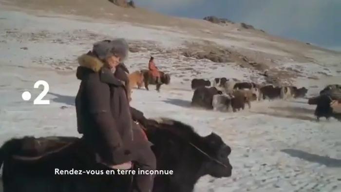 « Rendez-vous en terre inconnue » du 26 mai : ce soir Nawell Madani s'envole pour la Mongolie (vidéo)