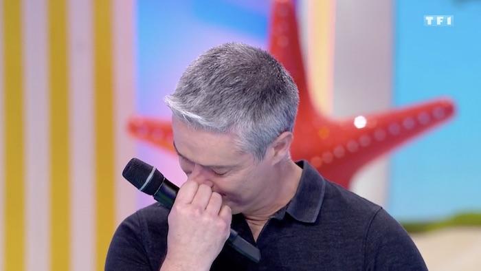 Les 12 coups de midi : Eric en larmes après la surprise de Zette (VIDEO)