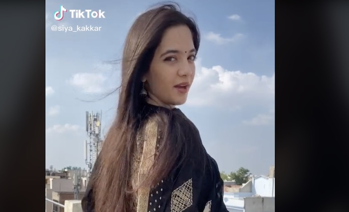 Mort de Siya Kakkar : la star de TikTok s'est suicidée à 16 ans