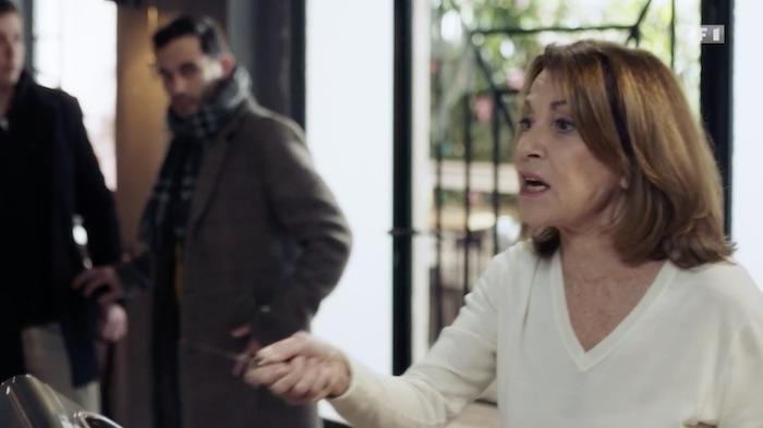 Demain nous appartient spoiler : Lydie menace Ulysse avec un couteau ! (VIDEO)
