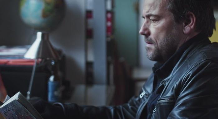 Plus belle la vie en avance : Jean-Paul et Abdel fouillent chez Angélique (vidéo PBLV épisode n°4243)