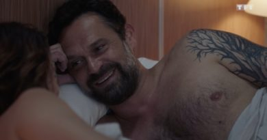 Demain nous appartient spoiler : Sacha dans les bras d'une autre femme ! (VIDEO)