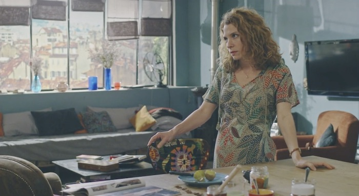 Plus belle la vie en avance : Babeth vire Léa de l'appartement ! (vidéo PBLV épisode n°4330)
